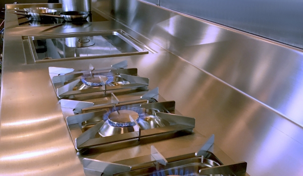 cucine realizzate da Rogi: Rana Meal Solution Cucina R&D, Chicago