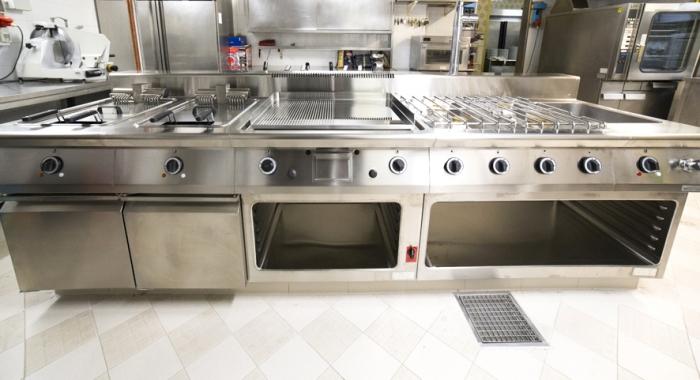 cucine realizzate da Rogi - Hotel Aurora Abano Terme (Padova)